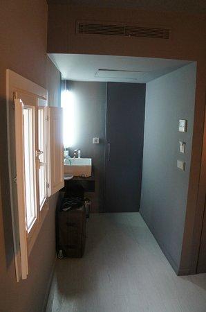 Cosy Rooms Tapineria: дверь в ванную