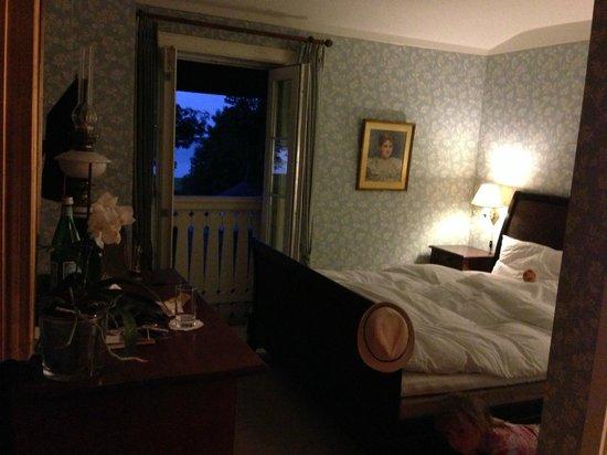 Hotel Frederiksminde: Soveafsnittet med bløde dyner der knitrer på den helt rigtige måde :-)