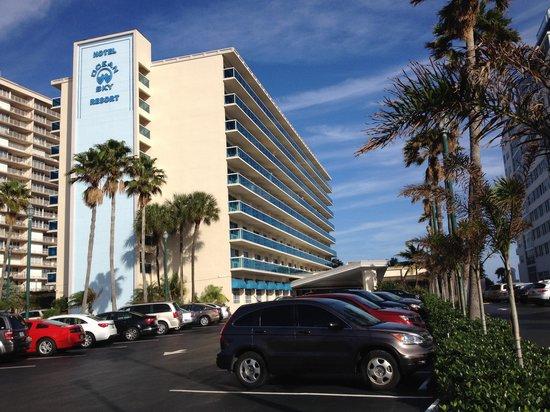 Ocean Sky Hotel & Resort: Ocean Sky, façade