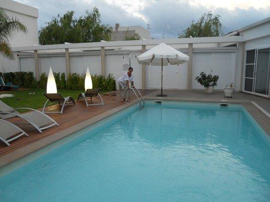 Hotel L'Algadir del Delta : Al agua
