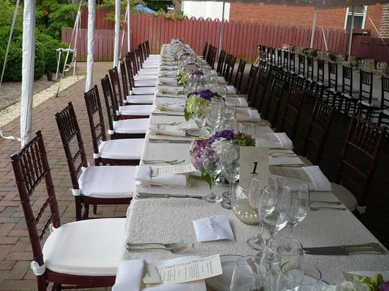 William Paca Garden : Family style for the wedding