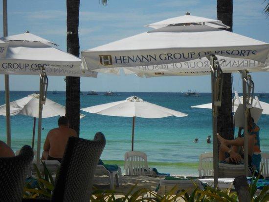 Boracay Regency Beach Resort & Spa: beach area for resort guests
