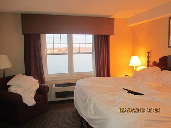 Atlantic Beach Hotel & Suites : Room w/Bay view