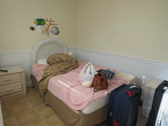 Conch on Inn Motel: small room