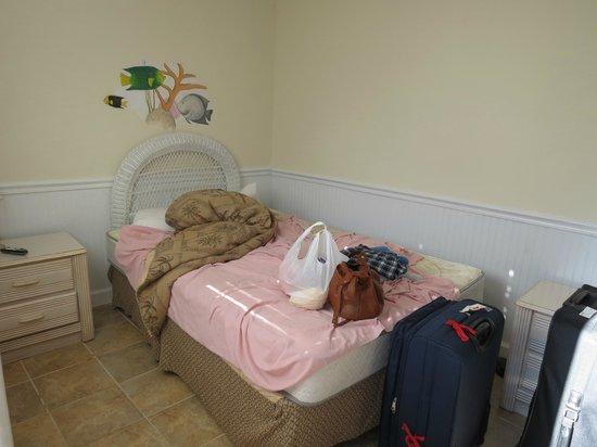 Conch on Inn Motel: small room