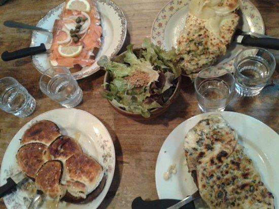 "Ginette et Marcel : 4 diferentes ""tartines""  todas deliciosas!!"