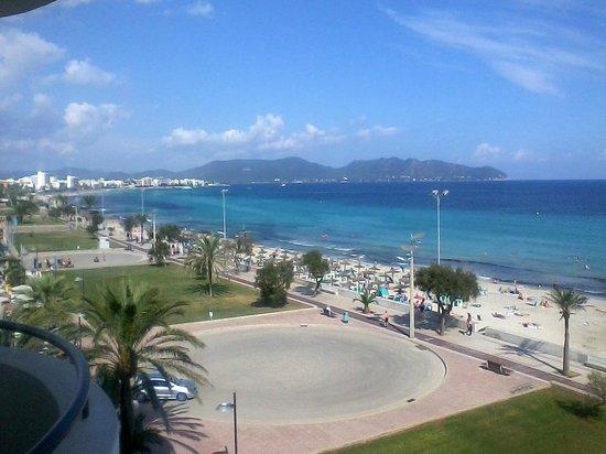 Hipotels Hipocampo Playa Meerblick vom Balkon aus links