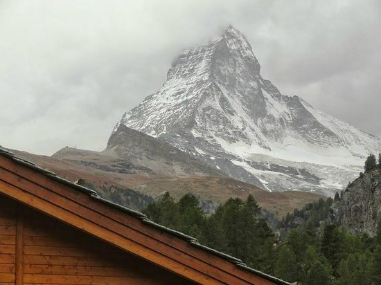 Europe Hotel & Spa: The Matterhorn view from the balcony (when the clouds gave way for a few seconds :(