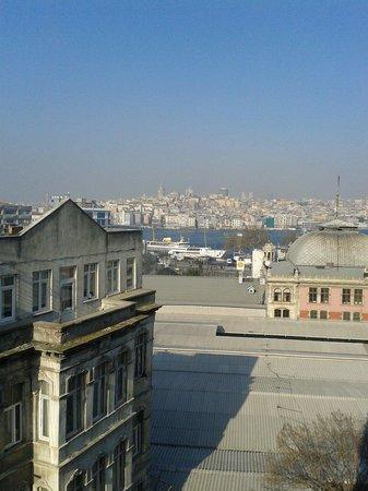 Elanaz Hotel Istanbul: 61 numaralı odadan muhteşem Galata manzarası