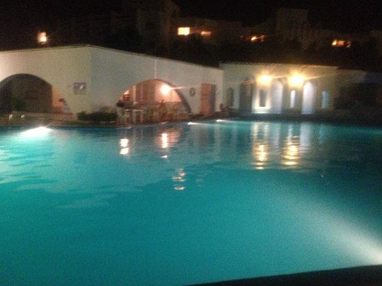 Orient Palace Hotel: The pool