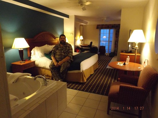 Holiday Inn Express Hotel & Suites Petoskey: King Jacuzzi Suite