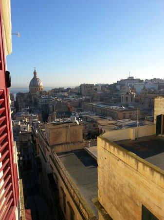 Osborne Hotel: Vista dalla finestra della camera