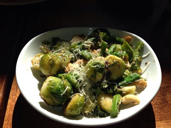 Cafe Verde : Sautéed Brussels Sprouts with Cashews and Asparagus