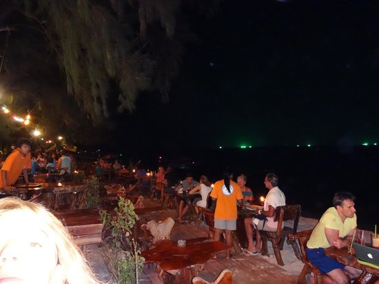 Pearl Beach Bungalow: at night