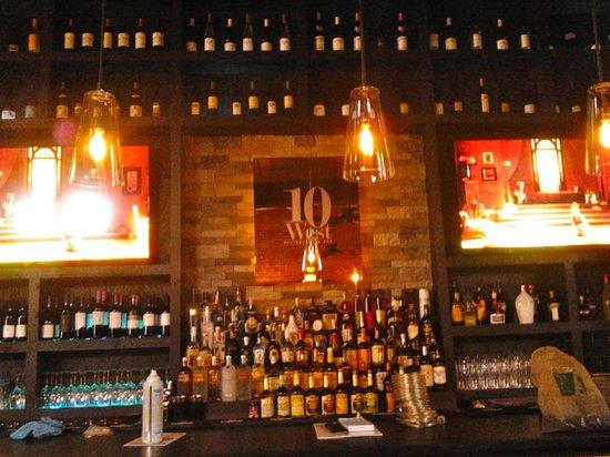 10 West Restaurant and Bar: Upstairs Bar