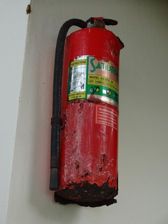 Pearl Beach Bungalow : Just hope you will never need this extinguisher!!