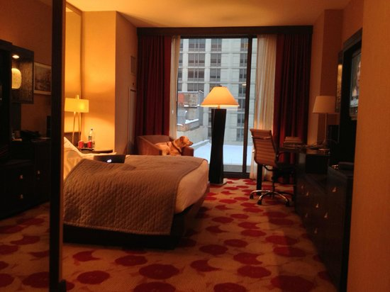 Kimpton Hotel Palomar Chicago : 8th Floor Standard King Room