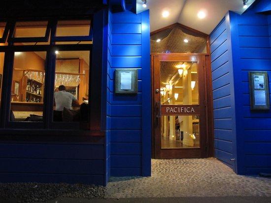 Pacifica Kaimoana Restaurant : Entrada al restaurante Pacifica de Napier
