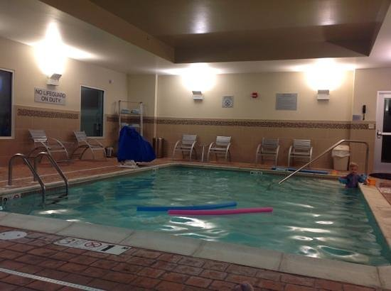 indoor pool, needs better maintenance, not bad otherwise ...