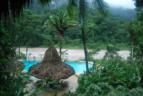 Villas Pico Bonito: Raging river during the storm