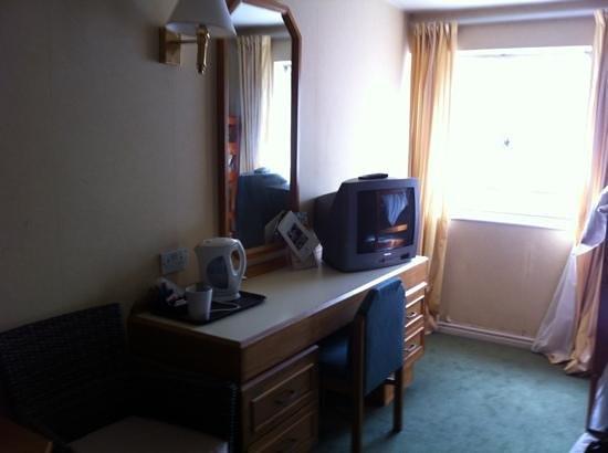 Britannia Wigan Hotel: family room