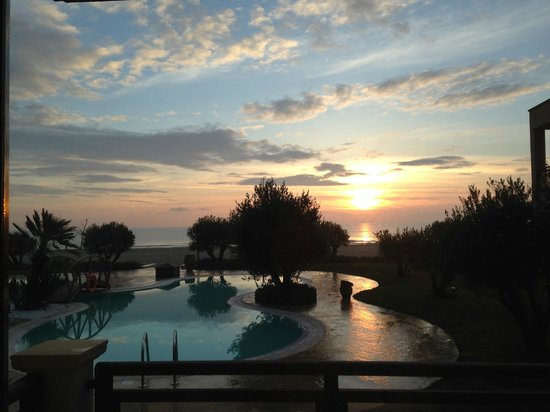Mediterranean Village Hotel & Spa: early mornimg as I opened the curtines