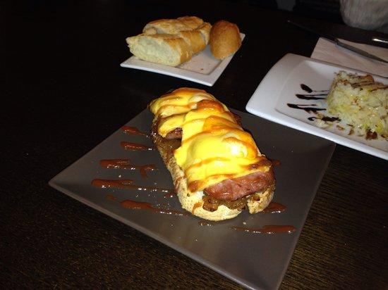 Restaurante Hornos 25: Tapa de hamburguesa