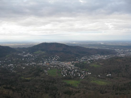Rathausglöckel: Вид на Баден Баден с горы Меркур