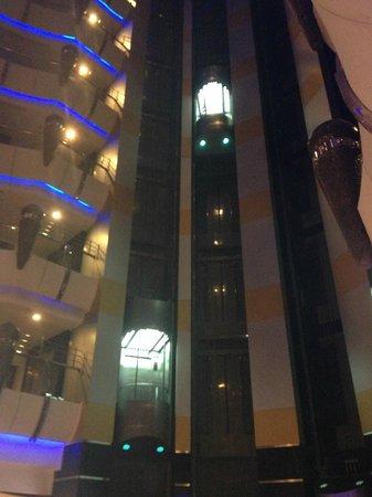 Leader Al Muna Kareem Hotel : Li