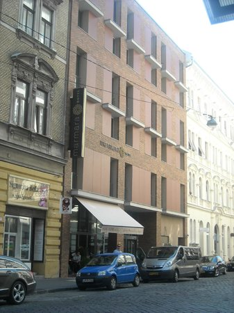 Marmara Hotel Budapest: Facciata Hotel Marmara