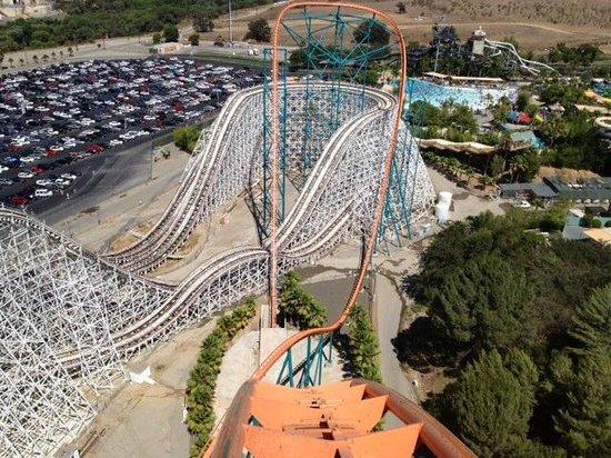 Six Flags Magic Mountain: Going down on Goliath!