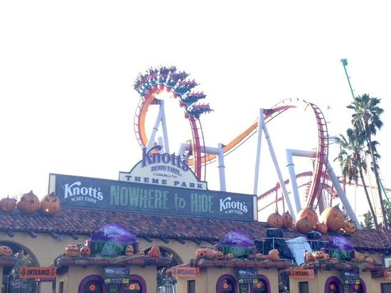 Knott's Berry Farm: What you see at the front entrance.