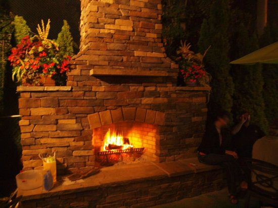 Redhawk Grille: Rustic Fireplace and Outdoor Dining