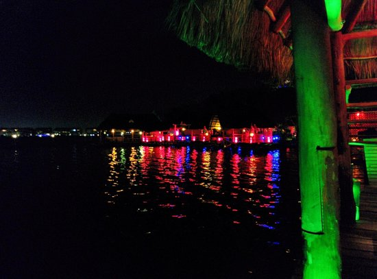 Elefanta Indian Cuisine : waterfront scene