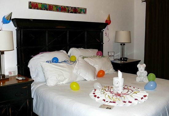 Hacienda Paradise Boutique Hotel by Xperience Hotels: A very pleasant birthday greeting in my room