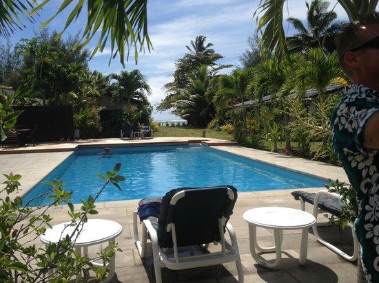 Muri Beach Resort: Pool with Ocean View, from Room 7 deck