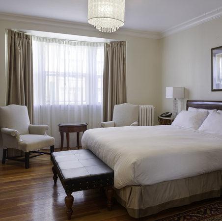 Victorian Hotel: Deluxe King, original flooring