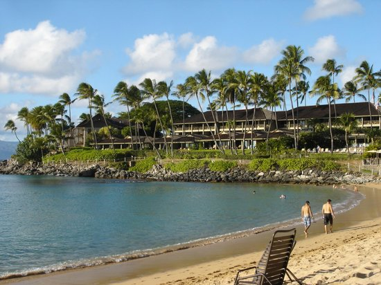The Mauian Hotel on Napili Beach : Napili Bay