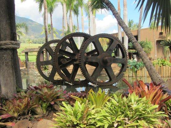 Maui Tropical Plantation: big gears