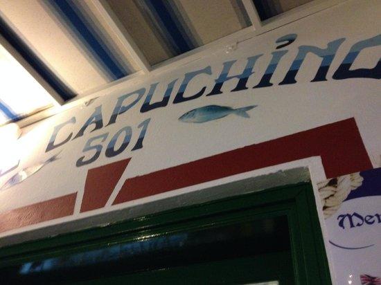 Restaurante El Capuchino 501: Insegna del ristorante