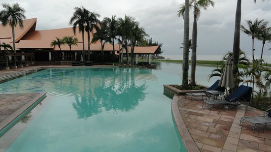 The Empire Hotel & Country Club: Pool