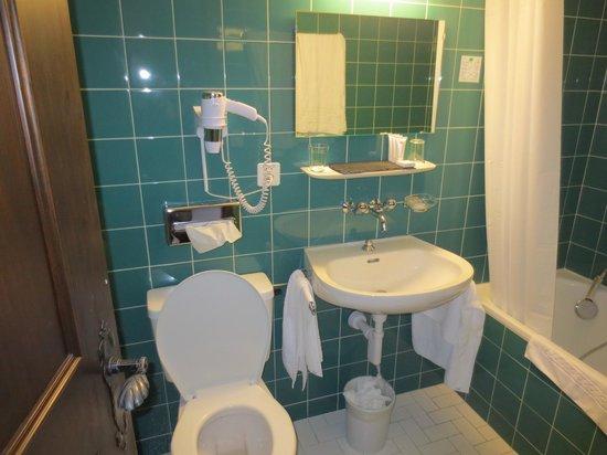 Hotel de Gruyères Wellness & Seminaires : Salle de bain