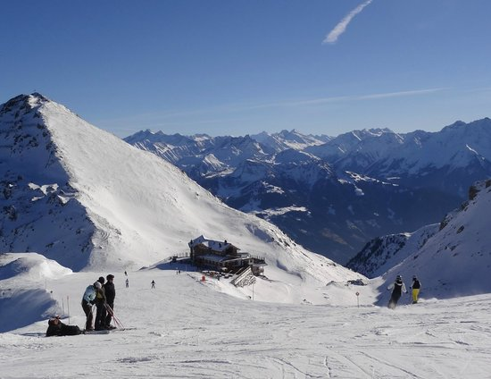 Wedelhutte Hochzillertal: Beautiful location