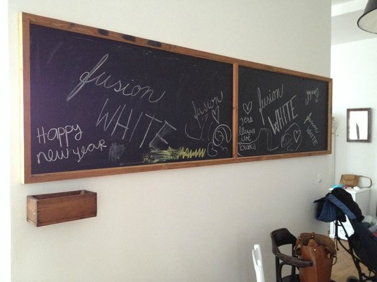 NYX Prague : a huge blackboard in the dining area of the suite