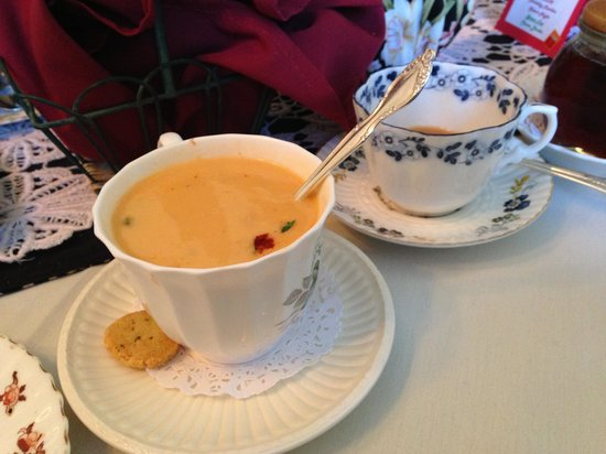 Teaberry's Tea Room : Lobster bisque and tea...yummy!