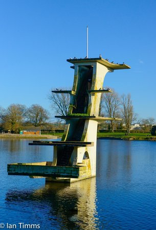 Coate Water Country Park: Coate Water disused historic diving board