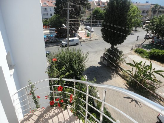 Ceylan Apart: view from spiral staircase