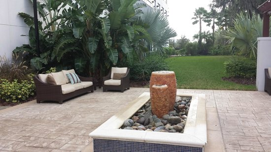 The Westin Lake Mary : A quiet sitting area
