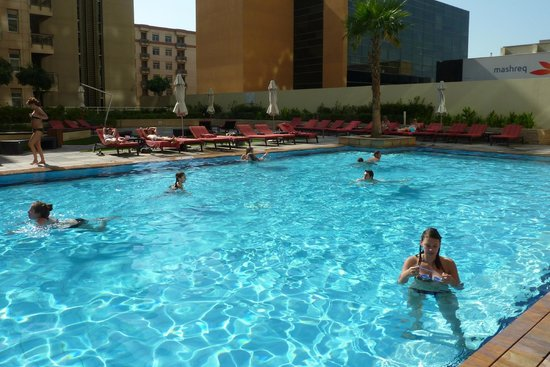 Substitute swimming pool water picture of radisson blu - Radisson blu sharjah swimming pool ...