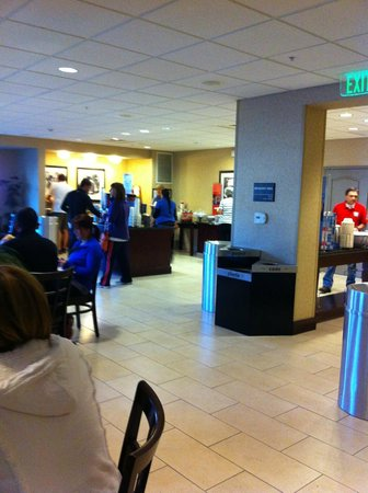 Hampton Inn Santa Barbara/Goleta: Reception area